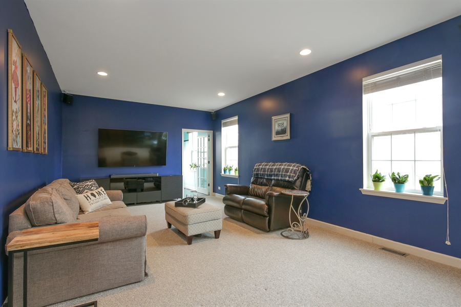 Real Estate Photography - 3048 Seekonk Ave, Elgin, IL, 60124 - Family Room