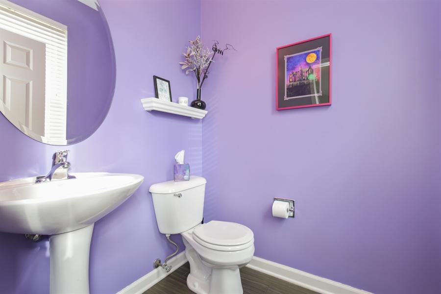 Real Estate Photography - 3048 Seekonk Ave, Elgin, IL, 60124 - Half Bath