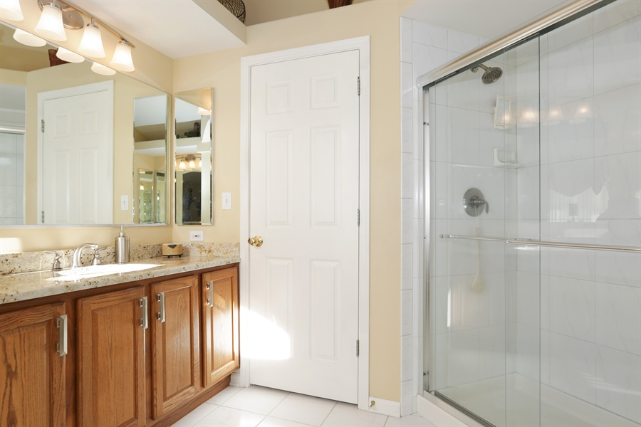 Real Estate Photography - 1981 Broadsmore Drive, Algonquin, IL, 60102 - Master Bathroom