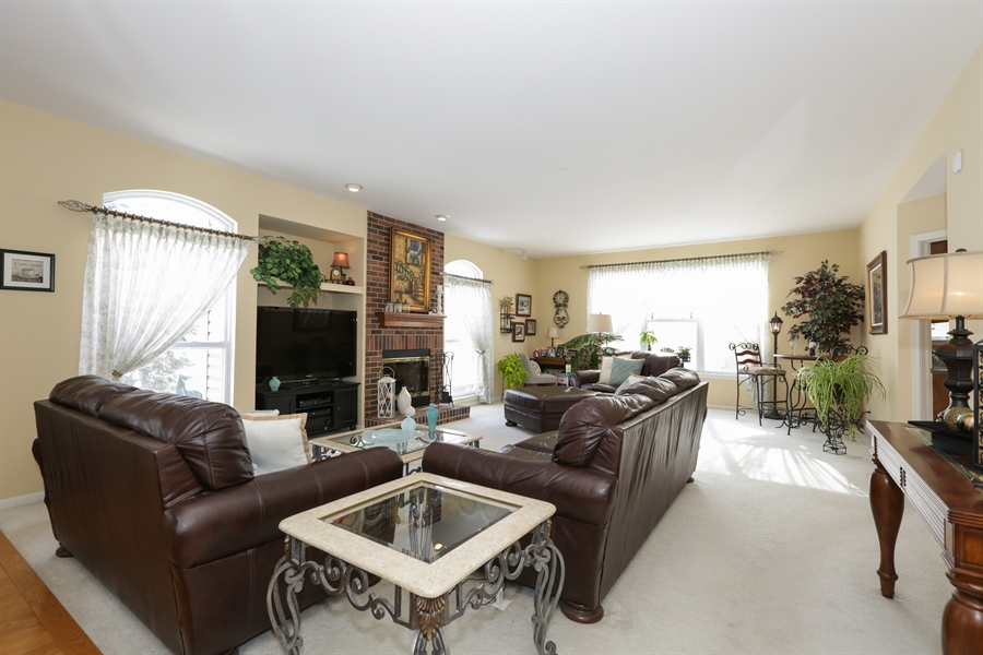 Real Estate Photography - 1981 Broadsmore Drive, Algonquin, IL, 60102 - Family Room