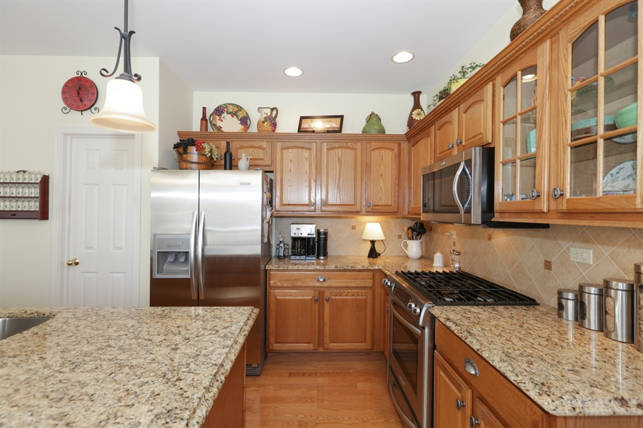Real Estate Photography - 1981 Broadsmore Drive, Algonquin, IL, 60102 - Kitchen