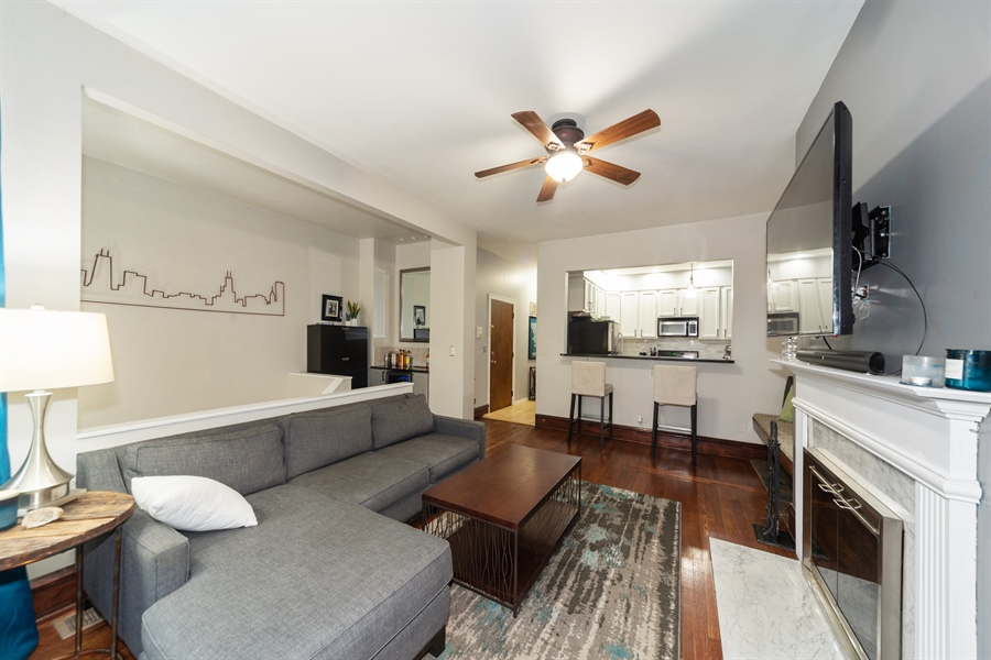 Real Estate Photography - 4618 N. Racine Avenue, Unit 1F, Chicago, IL, 60640 - Living Room