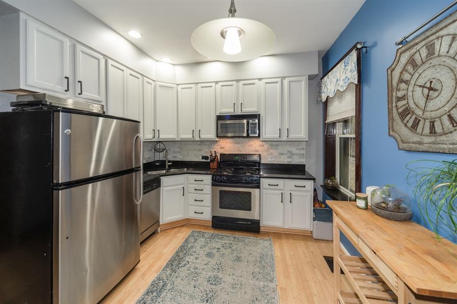 Real Estate Photography - 4618 N. Racine Avenue, Unit 1F, Chicago, IL, 60640 - Kitchen