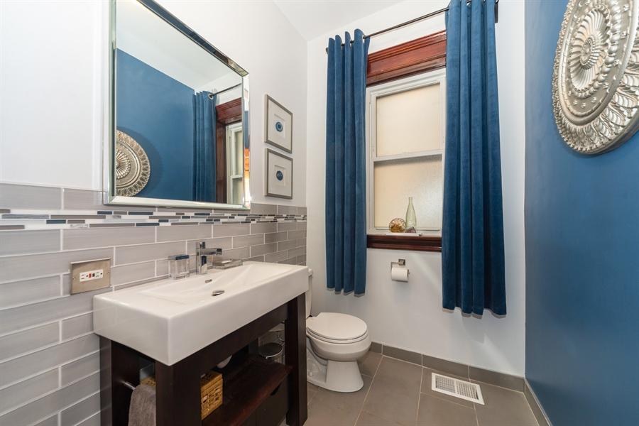 Real Estate Photography - 4618 N. Racine Avenue, Unit 1F, Chicago, IL, 60640 - Half Bath