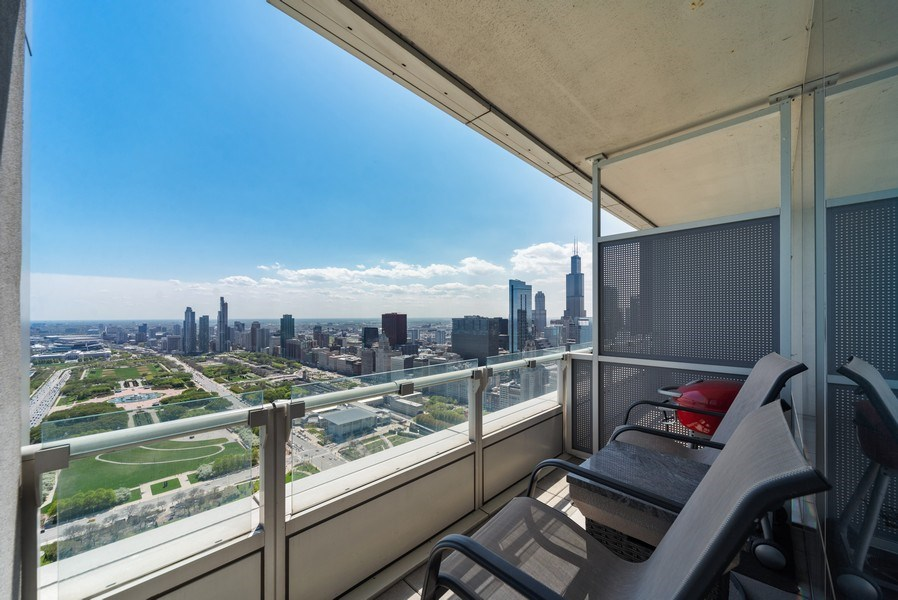 Real Estate Photography - 340 E. RANDOLPH Street, Unit 5401, Chicago, IL, 60601 - Terrace 2