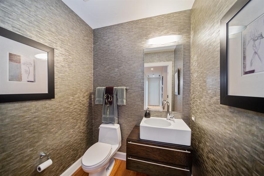 Real Estate Photography - 340 E. RANDOLPH Street, Unit 5401, Chicago, IL, 60601 - Half Bath