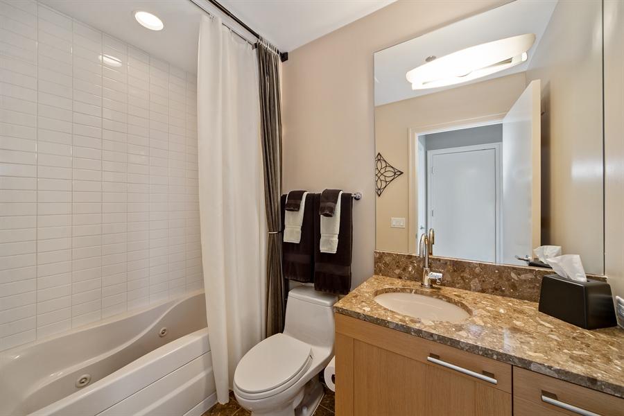 Real Estate Photography - 340 E. RANDOLPH Street, Unit 5401, Chicago, IL, 60601 - 2nd Bathroom