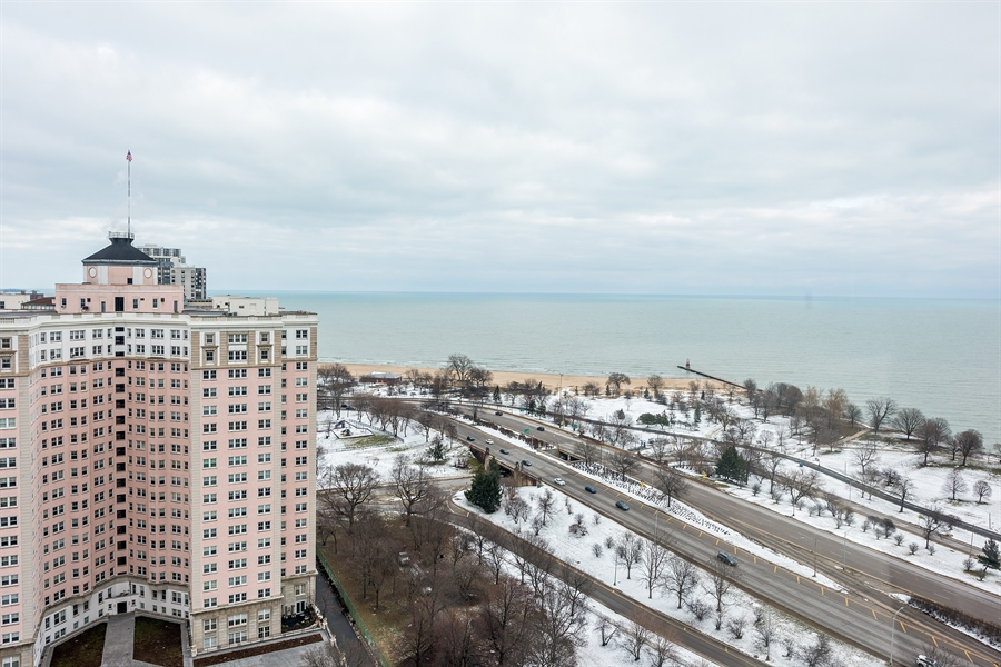 Real Estate Photography - 5455 N. Sheridan Road, Unit 2703, Chicago, IL, 60640 - Lake View