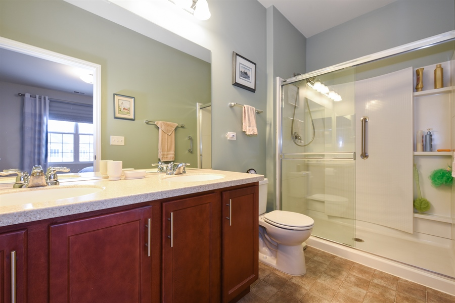 Real Estate Photography - 811 Rocky Gap Drive, Elgin, IL, 60124 - MASTER BATHROOM WITH LARGE SHOWER WITH BLT-IN SHEL