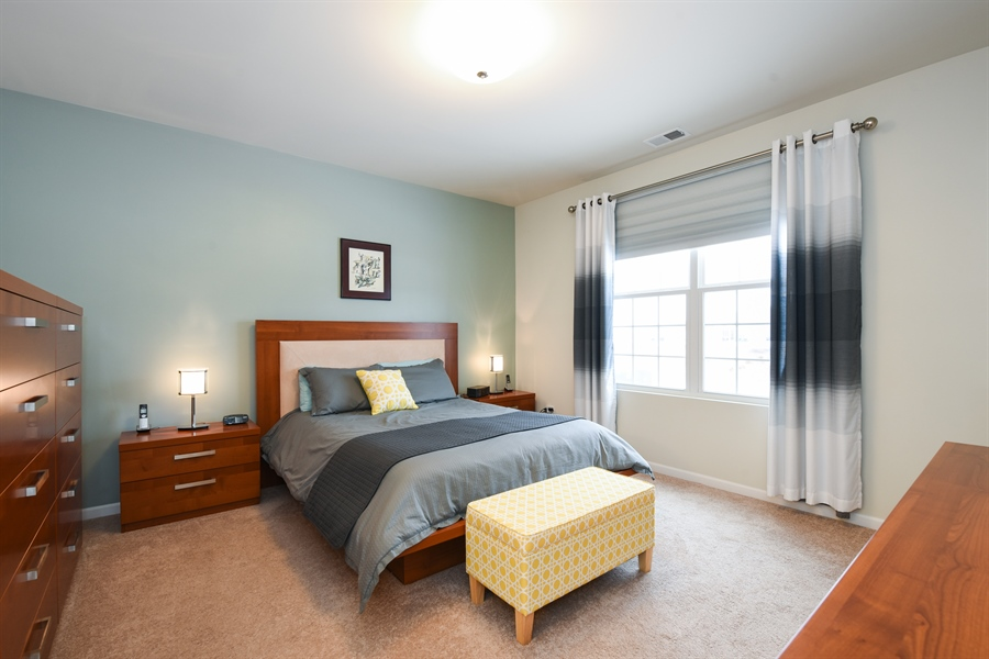 Real Estate Photography - 811 Rocky Gap Drive, Elgin, IL, 60124 - MASTER BEDROOM