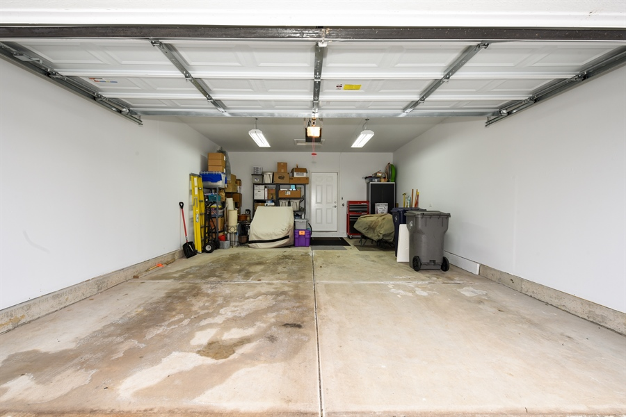 """Real Estate Photography - 811 Rocky Gap Drive, Elgin, IL, 60124 - LARGE """"EXTENDED"""" GARAGE"""