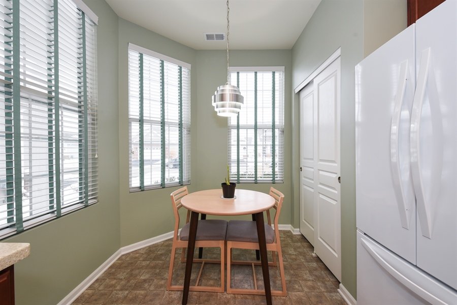 Real Estate Photography - 811 Rocky Gap Drive, Elgin, IL, 60124 - CAFE WITH 3 WINDOWS & LARGE PANTRY