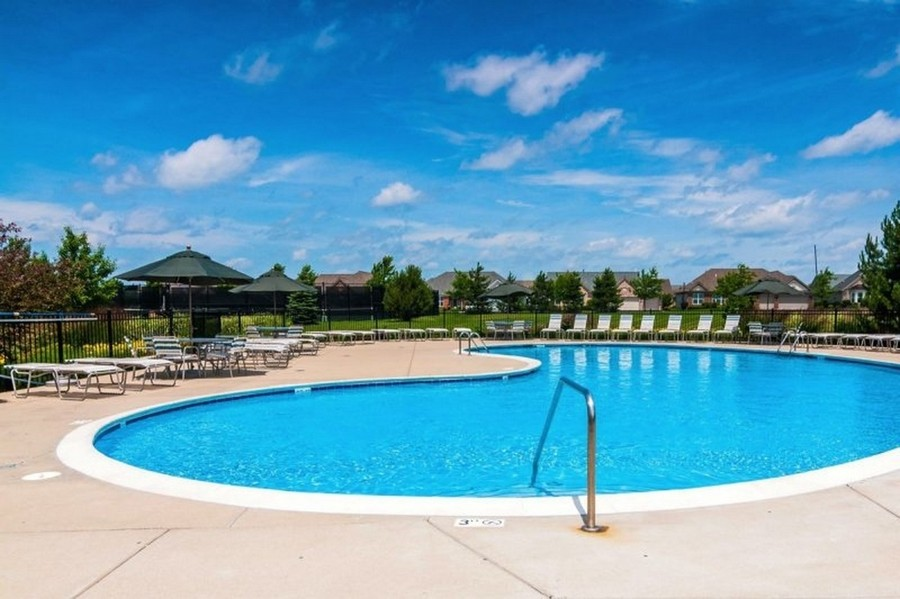 Real Estate Photography - 811 Rocky Gap Drive, Elgin, IL, 60124 - OUTDOOR POOL