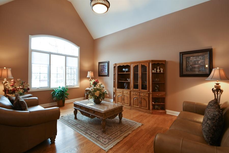 Real Estate Photography - 20163 Alison Trail, Mokena, IL, 60448 - Living Room