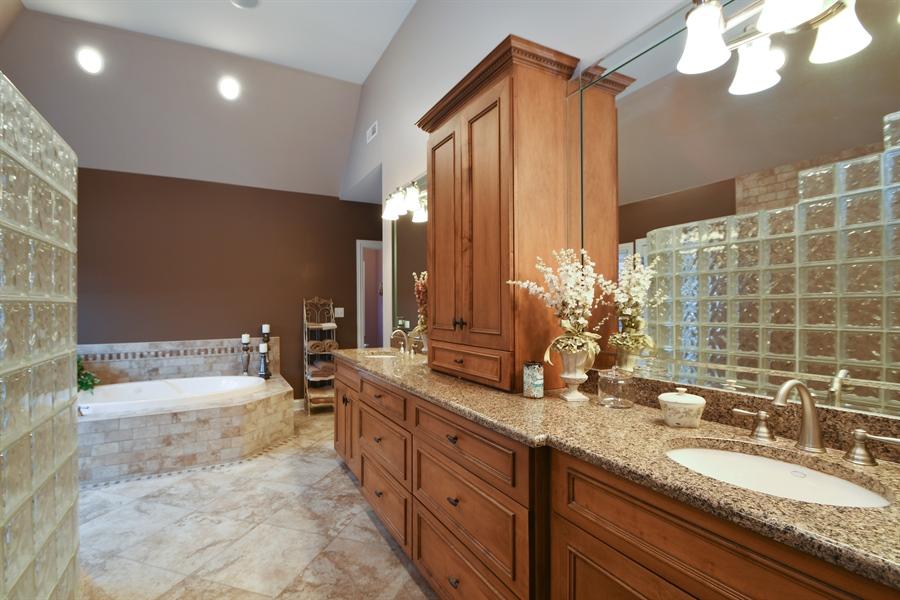 Real Estate Photography - 20163 Alison Trail, Mokena, IL, 60448 - Master Bathroom