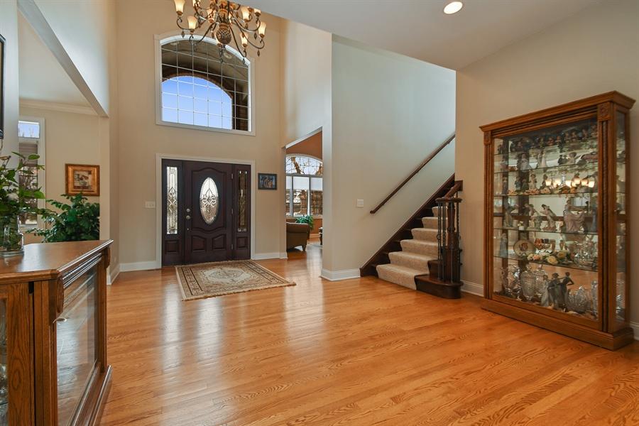 Real Estate Photography - 20163 Alison Trail, Mokena, IL, 60448 - Foyer