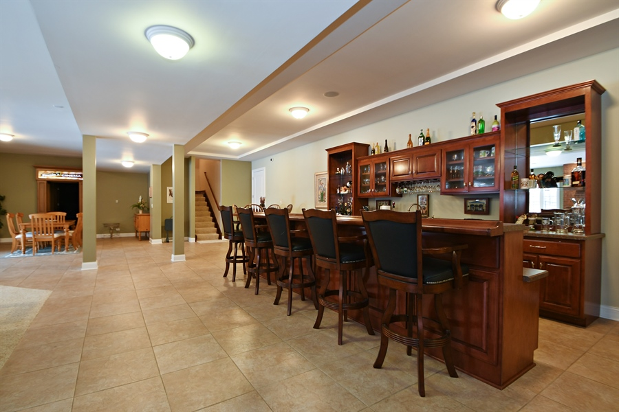 Real Estate Photography - 20163 Alison Trail, Mokena, IL, 60448 - Bar