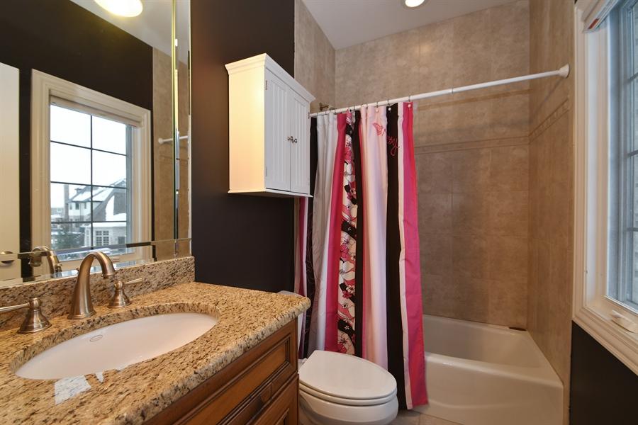 Real Estate Photography - 20163 Alison Trail, Mokena, IL, 60448 - Bathroom