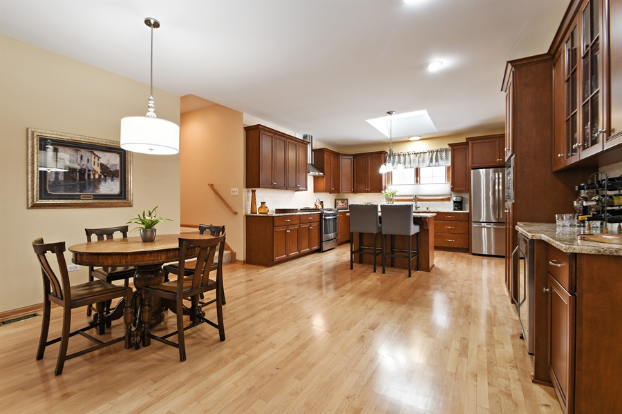 Real Estate Photography - 870 LAUREL BAY Drive, New Lenox, IL, 60451 - Kitchen / Breakfast Room