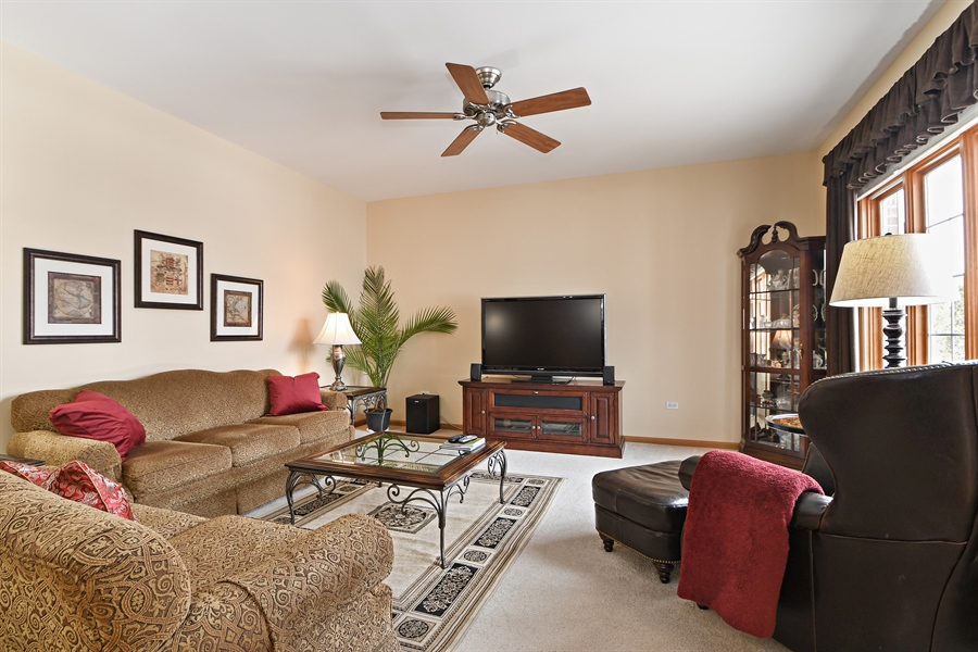 Real Estate Photography - 870 LAUREL BAY Drive, New Lenox, IL, 60451 - Family Room