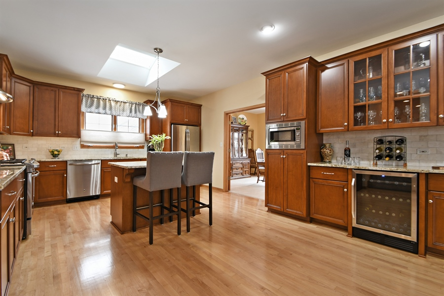 Real Estate Photography - 870 LAUREL BAY Drive, New Lenox, IL, 60451 - Kitchen