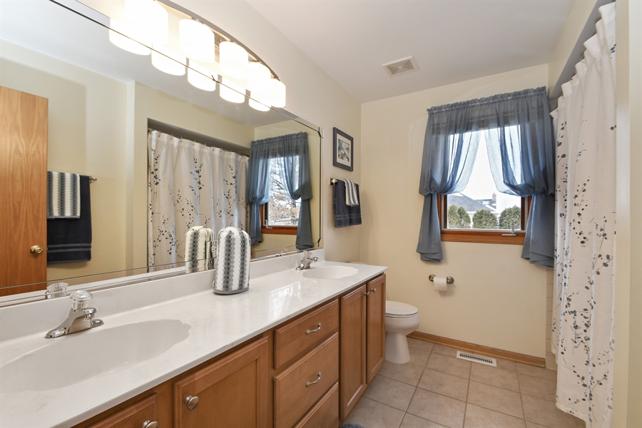 Real Estate Photography - 870 LAUREL BAY Drive, New Lenox, IL, 60451 - Bathroom