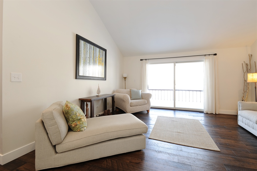 Real Estate Photography - 23862 W. Bayview Road, Antioch, IL, 60002 - Living Room
