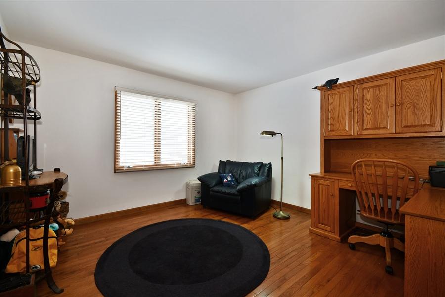 Real Estate Photography - 1660 Fox Trail Drive, Batavia, IL, 60510 - 2nd Bedroom