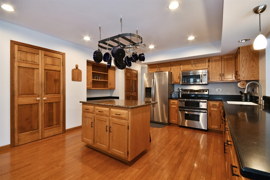 Real Estate Photography - 1660 Fox Trail Drive, Batavia, IL, 60510 - Kitchen