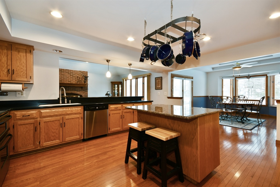 Real Estate Photography - 1660 Fox Trail Drive, Batavia, IL, 60510 - Kitchen / Breakfast Room