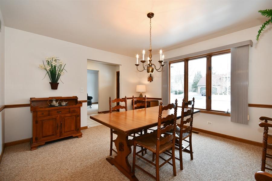 Real Estate Photography - 1660 Fox Trail Drive, Batavia, IL, 60510 - Dining Area
