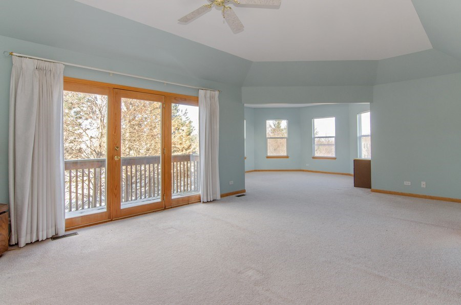 Real Estate Photography - 8 Tealwood Court, Algonquin, IL, 60102 - Master Bedroom