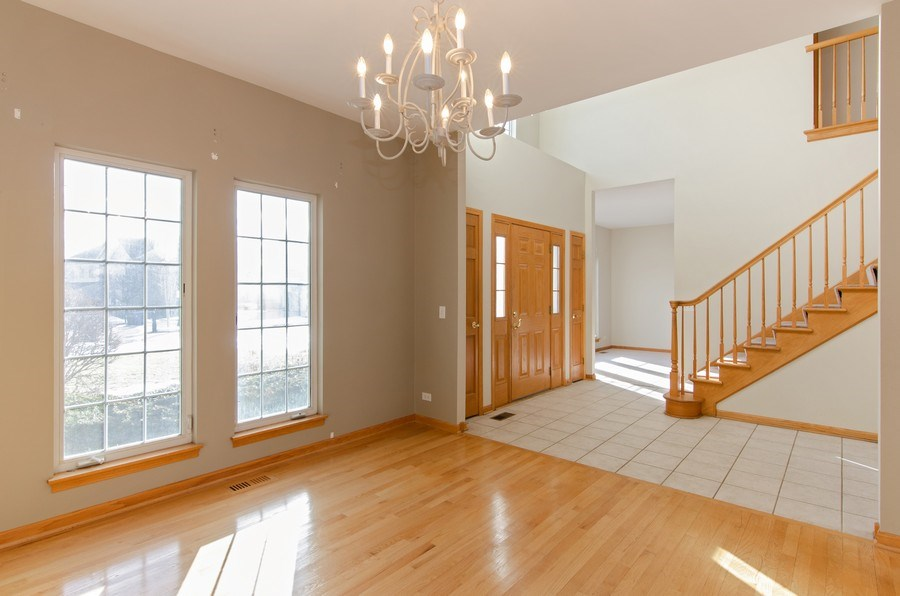 Real Estate Photography - 8 Tealwood Court, Algonquin, IL, 60102 - Dining Room