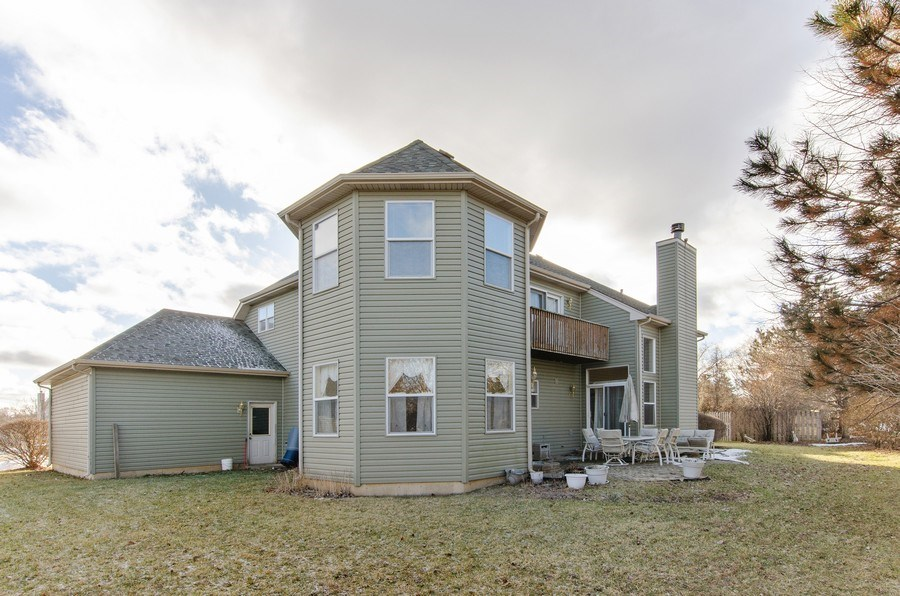 Real Estate Photography - 8 Tealwood Court, Algonquin, IL, 60102 - Rear View
