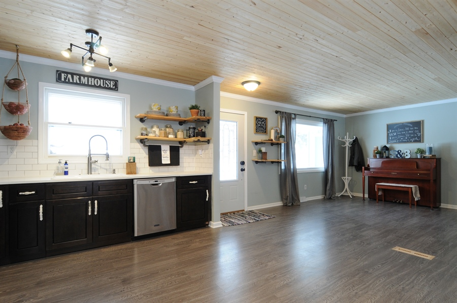 Real Estate Photography - 43W850 Nottingham Drive, Elburn, IL, 60119 - Family Room / Kitchen