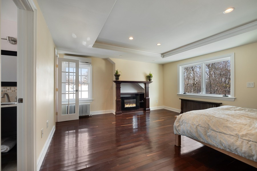 Real Estate Photography - 258 Lagoon Drive, Northfield, IL, 60093 - Master Bedroom