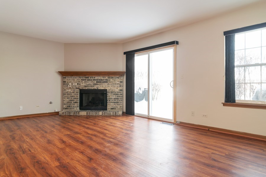 Real Estate Photography - 862 N. Tamarac Boulevard, Addison, IL, 60101 - Living Room
