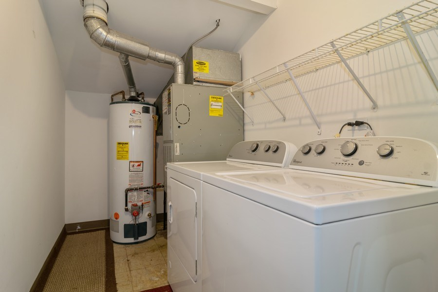 Real Estate Photography - 862 N. Tamarac Boulevard, Addison, IL, 60101 - Laundry Room