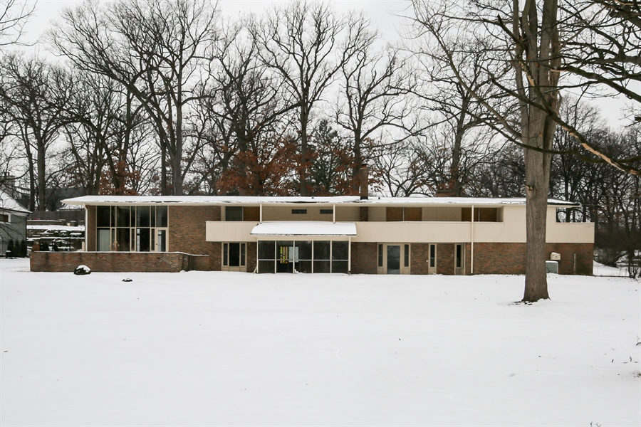 Real Estate Photography - 710 Wilson Rd, Hinsdale, IL, 60521 - Front View