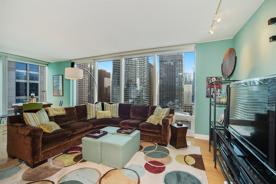 Real Estate Photography - 340 E. Randolph Street, Unit 1706, Chicago, IL, 60601 - Living Room