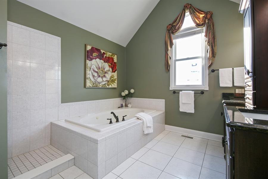 Real Estate Photography - 2907 Nicole Drive, Naperville, IL, 60564 - Master Bath