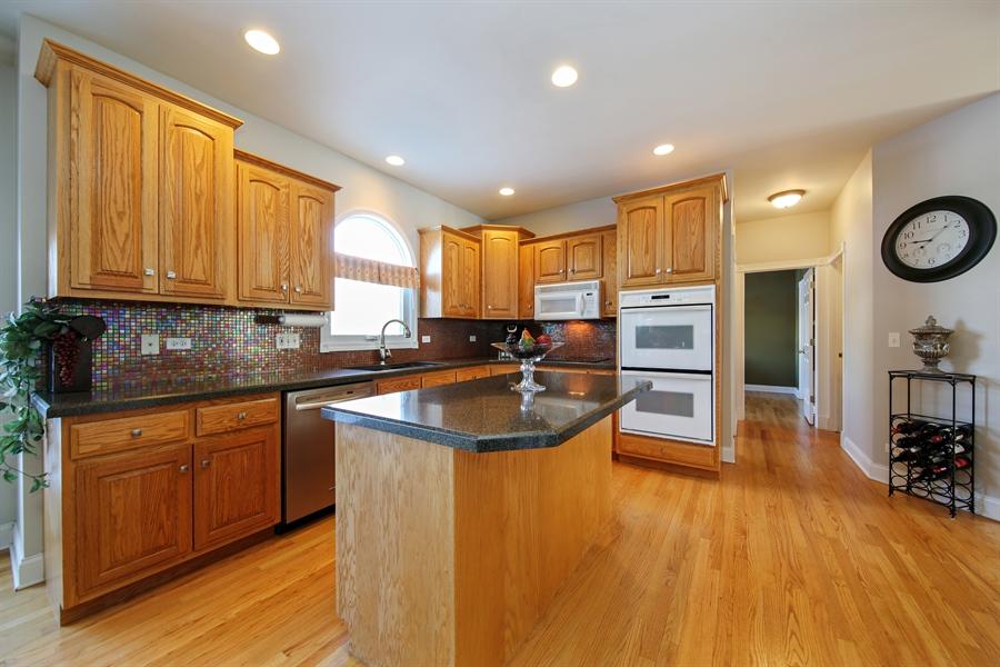 Real Estate Photography - 2907 Nicole Drive, Naperville, IL, 60564 - Kitchen