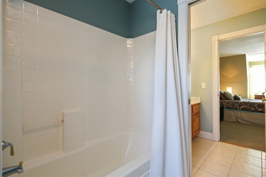 Real Estate Photography - 2907 Nicole Drive, Naperville, IL, 60564 - Jack-n-Jill Bath