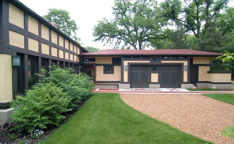 Real Estate Photography - 336 Coonley Road, Riverside, IL, 60546 - Front Entry & Garage