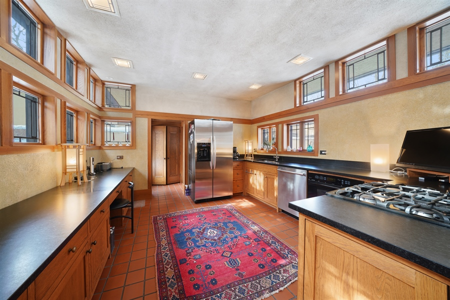 Real Estate Photography - 336 Coonley Road, Riverside, IL, 60546 - Kitchen
