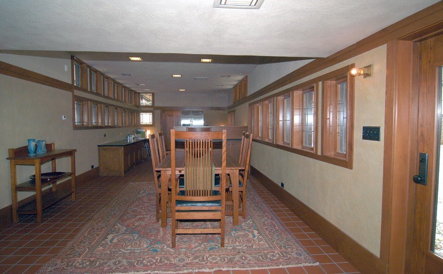 Real Estate Photography - 336 Coonley Road, Riverside, IL, 60546 - Hallway