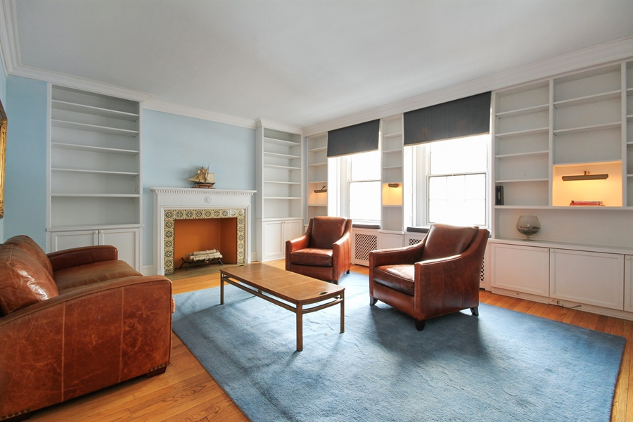 Real Estate Photography - 210 East Pearson St, 9D, Chicago, IL, 60611 - Living Room