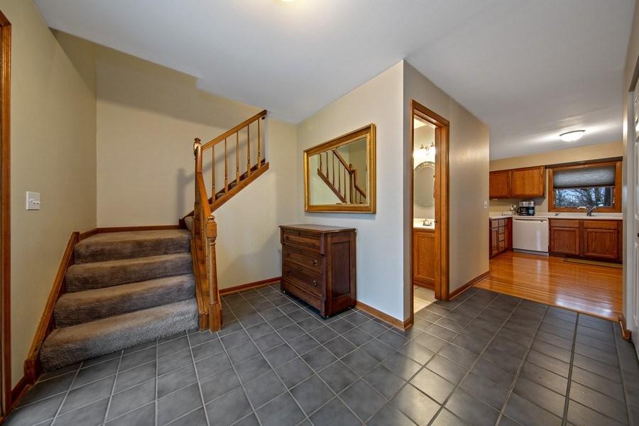 Real Estate Photography - 1385 Valayna Drive, Aurora, IL, 60504 - Foyer