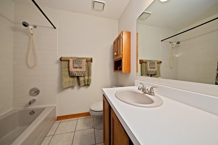 Real Estate Photography - 1385 Valayna Drive, Aurora, IL, 60504 - Bathroom