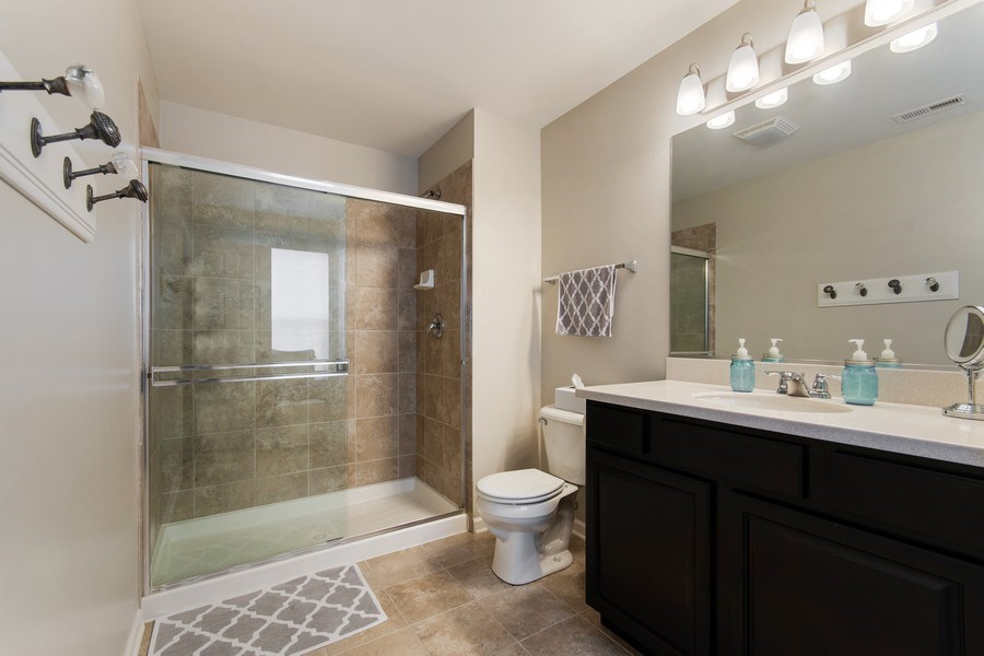 Real Estate Photography - 4048 POMPTON Avenue, Elgin, IL, 60124 - Master Bathroom